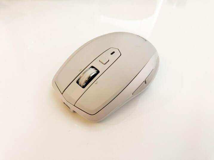Darkfieldレーザートラッキングマウス 鏡面仕上げ塗装面